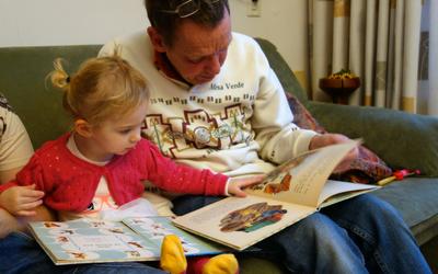 7 Ways to Help Your Child Read:  A Peek Inside an Ex-Teacher's Toolbox